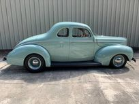 1940 ford deluxe coupe https://cloud.leparking.fr/2019/08/14/06/09/ford-de-luxe-1940-ford-deluxe-coupe-green_7022938845.jpg