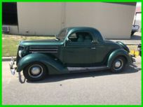 1936 ford deluxe https://cloud.leparking.fr/2020/04/16/05/25/ford-de-luxe-1936-ford-deluxe-green_7561127160.jpg