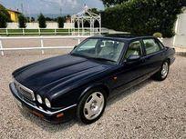 jaguar xjr 4.0 cat pari al nuovo tagliandata... https://cloud.leparking.fr/2020/06/26/00/35/jaguar-xjr-jaguar-xjr-4-0-cat-pari-al-nuovo-tagliandata-blu_7654621580.jpg