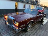 cadillac eldorado 4.1 cabrio https://cloud.leparking.fr/2020/07/21/00/21/cadillac-eldorado-cabriolet-cadillac-eldorado-4-1-cabrio-rot_7687250947.jpg