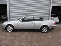 mercedes-benz clk-klasse cabrio 230 k. sport https://cloud.leparking.fr/2020/08/20/00/25/mercedes-clk-cabriolet-mercedes-benz-clk-klasse-cabrio-230-k-sport-gris_7728580423.jpg