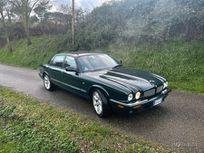 jaguar xjr supercharged https://cloud.leparking.fr/2021/01/07/00/43/jaguar-xj-jaguar-xjr-supercharged_7926142980.jpg