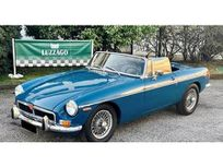 mg mgb https://cloud.leparking.fr/2021/01/16/12/06/mg-b-mg-mgb-blu_7938785688.jpg