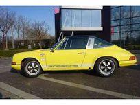 porsche 911 https://cloud.leparking.fr/2021/03/08/06/03/porsche-911-classic-porsche-911-jaune_8011522265.jpg