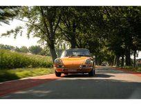 porsche 911 911t https://cloud.leparking.fr/2021/03/23/06/04/porsche-911-classic-porsche-911-911t-jaune_8034746467.jpg