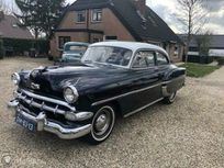https://cloud.leparking.fr/2021/03/31/00/20/chevrolet-bel-air-bleu_8046185865.jpg