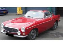 volvo 1800 e https://cloud.leparking.fr/2021/04/11/00/12/volvo-p1800-volvo-1800-e-rouge_8062676815.jpg