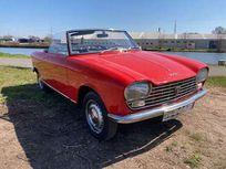 peugeot 204 cabriolet https://cloud.leparking.fr/2021/04/23/12/09/peugeot-204-cabriolet-peugeot-204-cabriolet-rouge_8081185804.jpg