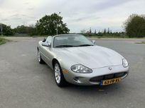 4.0 supercharger convertible https://cloud.leparking.fr/2021/06/11/00/23/jaguar-xkr-cabriolet-4-0-supercharger-convertible-gris_8154118959.jpg