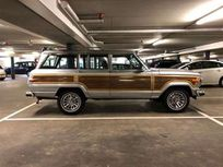 jeep wagoneer 5.9 v8 limited wagon https://cloud.leparking.fr/2021/06/15/03/02/jeep-wagoneer-jeep-wagoneer-5-9-v8-limited-wagon-gris_8161128015.jpg