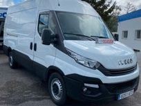 iveco - daily l3h2 https://cloud.leparking.fr/2021/09/24/08/07/iveco-daily-iveco-daily-l3h2-blanco_8281777386.jpg