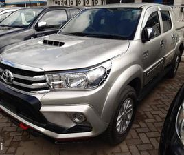 TOYOTA HILUX 2013 SILVER