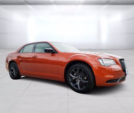 BRAND NEW ORANGE COLOR 2021 CHRYSLER 300 TOURING FOR SALE IN BEEVILLE, TX 78102. VIN IS 2C