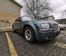 CHRYSLER 300 LIMITED 2006 | CARS & TRUCKS | HAMILTON | KIJIJI