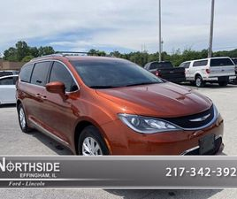 BRONZE COLOR 2018 CHRYSLER PACIFICA TOURING-L FOR SALE IN EFFINGHAM, IL 62401. VIN IS 2C4R