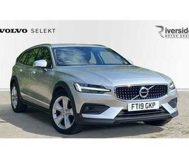 VOLVO V60 CROSS COUNTRY D4 AWD CROSS COUNTRY LEATHER INTERIOR SAT NAV LED HEADLIGHTS CRUIS