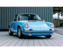 PORSCHE 911 T 2.2 TARGA - PASTEL BLUE