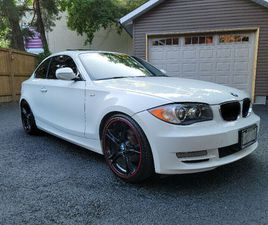 2011 BMW 128I WHITE WITH RED INTERIOR COUPE 6 SPD MANUAL   CARS & TRUCKS   MISSISSAUGA / P