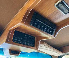 1989 CHEVROLET SUBURBAN SUV