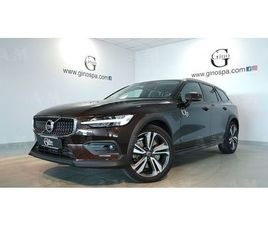 VOLVO V60 CROSS COUNTRY D4 AWD GEARTRONIC BUSINESS PLUS DEL 2019 USATA A CUNEO