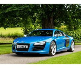 MINT AUDI EXCLUSIVE R8 V8 MANUAL IN KINGFISHER BLUE