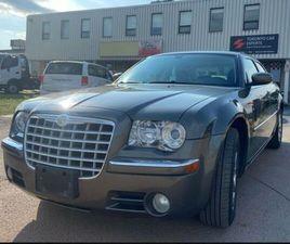 CHRYSLER 300 LIMITED - NO ACCIDENTS LOW MILLAGE | CARS & TRUCKS | OAKVILLE / HALTON REGION