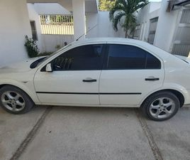 FORD MONDEO 4 PUERTAS, CLIMA,