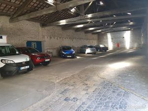 Loue place de parking dans garage collectif