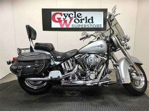 HARLEY-DAVIDSON FLSTC - HERITAGE SOFTAIL® CLASSIC 2004 USED MOTORCYCLE FOR SALE IN TORONTO
