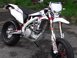 AWR 450 SUPERMOTARD