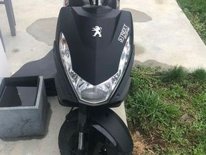 SCOOTER PEUGEOT STREET ZONE
