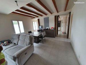 Appartement en duplex dans village calme