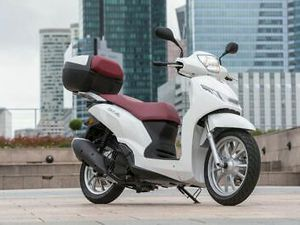 PEUGEOT BELVILLE 200CC SCOOTER 2021 BRAND NEW AND UNUSED