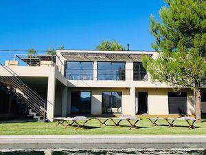 Villa de Prestige en Vente à Saint-Rémy-de-Provence : Située dans un quartier prisé sur le