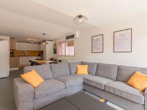 Location appartement  95 m² T-1 à Bordeaux  690 €
