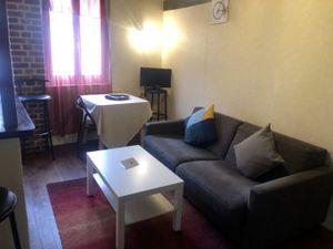 Appartement T2 meublé et douillet avec charme des poutres apparentes en plein centre-ville