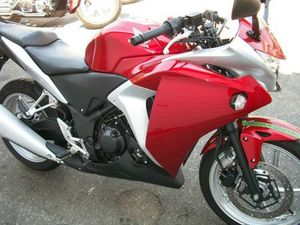 HONDA CBR® 250R 2011 USED MOTORCYCLE FOR SALE IN TORONTO