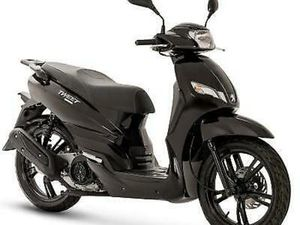 BRAND NEW PEUGEOT TWEET 50CC SCOOTER MOPED LEARNER LEGAL FITTED WITH RACK