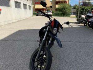 MOTO DERBI SENDA SM XTREM 50
