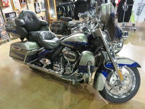 HARLEY-DAVIDSON FLHTKSE - CVO™ LIMITED 2017 USED MOTORCYCLE FOR SALE IN NIAGARA ON THE LAK