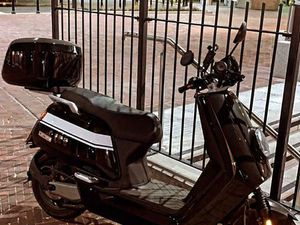 NIU N-GT ELECTRIC MOPED - ONLY 700 MILES | IN CANARY WHARF, LONDON | GUMTREE