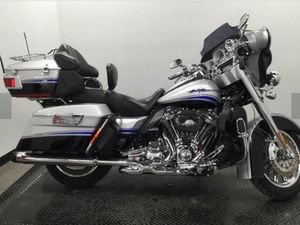 HARLEY-DAVIDSON FLHTCUSE4 CVO ULTRA CLASSIC 2009 USED MOTORCYCLE FOR SALE IN TORONTO