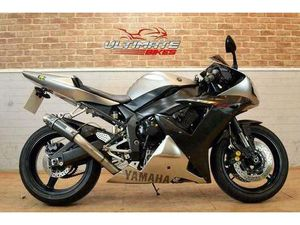 2002 02 YAMAHA YZF R1 - FREE DELIVERY AVAILABLE | IN BRISTOL | GUMTREE