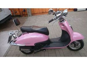 MOTORROLLER IM RETRO-DESIGN VON BENZHOU (YIYING YY150T-19) 150CCM