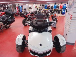 CAN-AM SPYDER® F3-T 6-SPEED SEMI-AUTOMATIC (SE6 2017 USED MOTORCYCLE FOR SALE IN OTTAWA