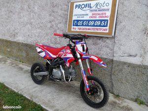 MOTO APOLLO RFZ 125 12 X 14 POUCES NEUVE