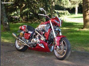 VEND MOTO V-MAX 1200