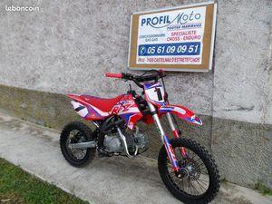 MOTO APOLLO 150 RFZ 14 X 17 POUCES NEUVE