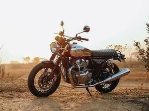 ROYAL ENFIELD INTERCEPTOR INT 650 TWIN EURO5 MODERN CLASSIC MOTORCYCLES FOR S...
