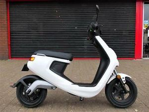 NIU M SERIES BRAND NEW FULLY ELECTRIC SCOOTER 2 YEAR WARRANTY OFFICIAL DEALER